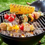 Illustration Entre barbecue et plancha, lequel choisir ?